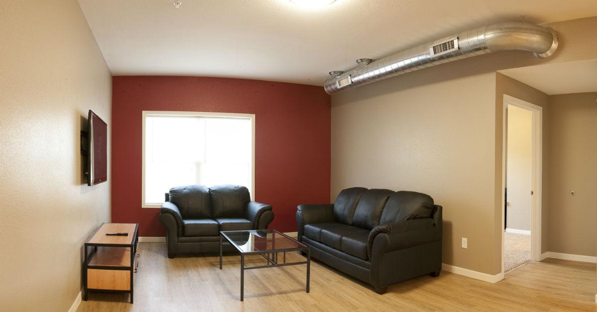 budget-vs-luxury-apartment